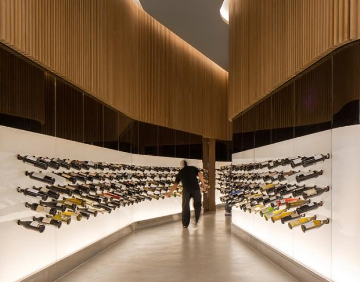 Mistral Wine Bar por Studio Arthur Casas-4  Arquitectura - Mistral Wine Bar do Studio Arthur Casas Mistral Wine Bar by Studio Arthur Casas 4 e1350036298819