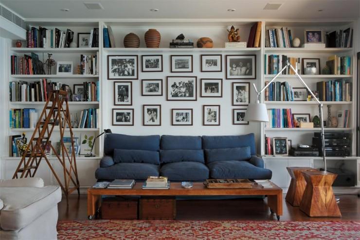 """""""Pormenor de uma parede no apartamento de Gilberto Gil.""""  Decoração: O apartamento carioca de Gilberto Gil  apartamento carioca gilberto gil 21 e1351070905334"""