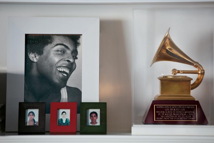 """""""Apartamento carioca de Gilberto Gil.""""  Decoração: O apartamento carioca de Gilberto Gil  apartamento carioca gilberto gil 4 e1351070814126"""