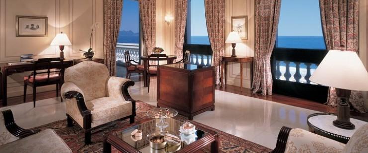 """""""Copacabana Palace Hotel, a suite da cobertura com uma vista única.""""  Lifestyle - O requinte do Hotel Copacabana Palace suite cobertura e1349690969387"""