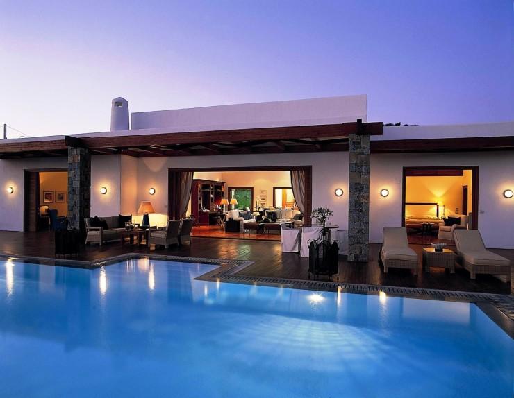 Grand Resort Lagonissi  Top 10: os melhores hotéis de 2012 Grand Resort Lagonissi e1356602307124