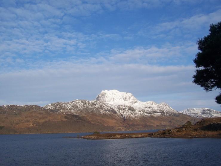loch maree scotland  MAREE, o novo sofá da BRABBU loch maree scotland e1359456560621