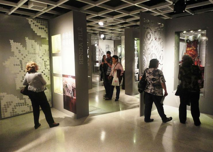Imagem 1  Mostra revela a história da renda brasileira no design e na moda Imagem 1