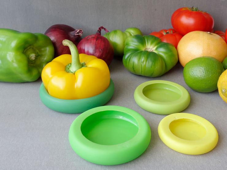 silicone alimentos  Criativa tampa de silicone ajuda a preservar sobras de alimentos 4food huggers by adrienne mcnicholas and michelle ivankovic designboom 01