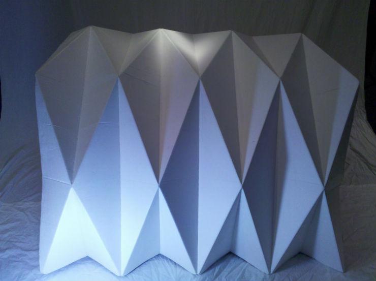 """""""Cardborigami, uma casa feita de cartão com formato em origami para ajudar os sem-teto. """"  Design funcional para ajudar os sem-teto Cardborigami3"""