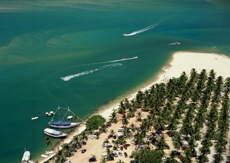 """""""Praia do Gunga, uma praia com côqueiros.""""  Lifestyle: 10 melhores praias do Brasil PraiadoGunga"""