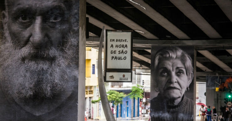 """""""Obra de Raquel Brust nas ruas de São Paulo, Minhocão.""""  DESIGN: A arte saiu à rua minhocaofotos"""