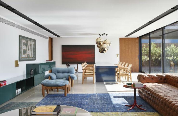 """""""Interior da sala super moderna de Guilherme Torres.""""  Casa de Arquitecto: Guilherme Torres e sua simplicidade CasaGuilhermeToress"""