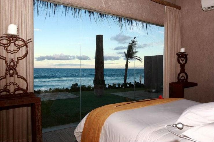 """""""Kenoa e sua deslumbrante vista de mar.""""  Sexo fora de casa: 10 hotéis para uma noite de loucura kenoaresortroom"""