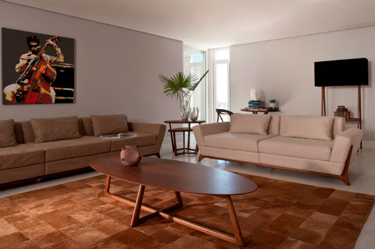 """""""os sofás Saccaro são simples mas elegantes""""  Sexo no sofá: 10 modelos que você vai querer testar saccaro"""