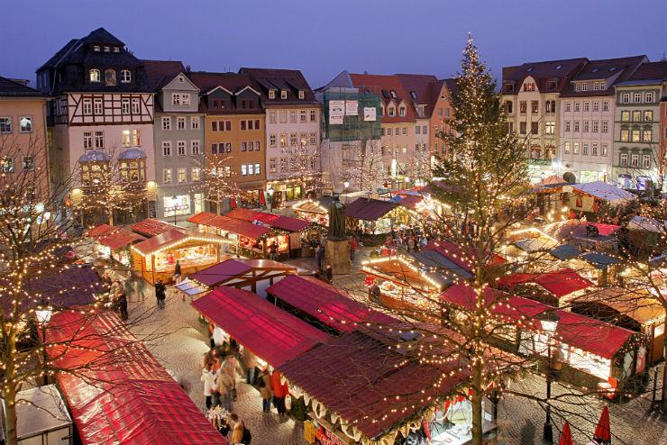 """""""Alemanha no Natal com seus mercados, esse em Estugarda.""""  Lifestyle: As 10 cidades mais bacanas no Natal xmasStuttgard"""