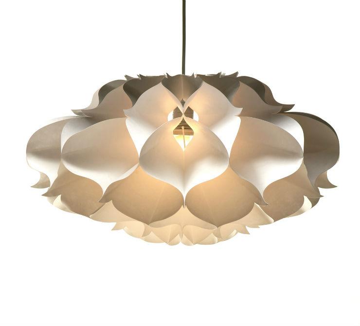 """""""Karl Zahn e sua luminária floral""""  Decoração de Natal: 10 luminárias de design KarlZahn"""