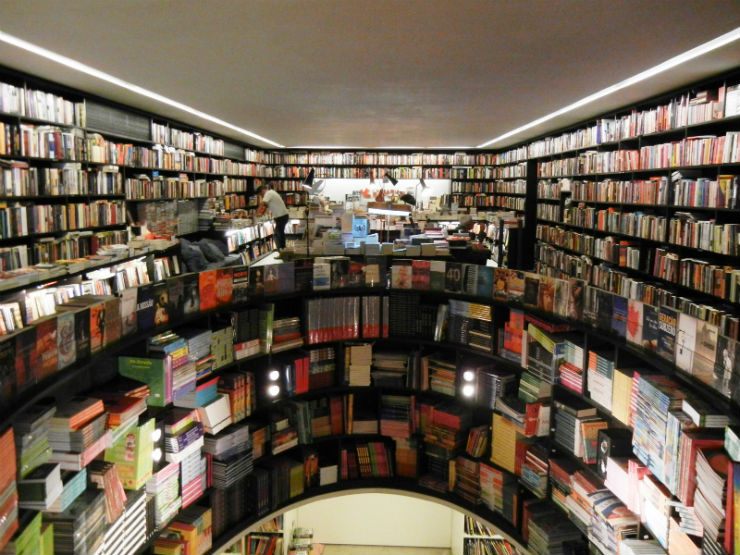 """""""Livraria da Vila e o seu interior.""""  Arquitetura: a livraria de sonho por Isay Weinfeld livrariadavila interior2"""