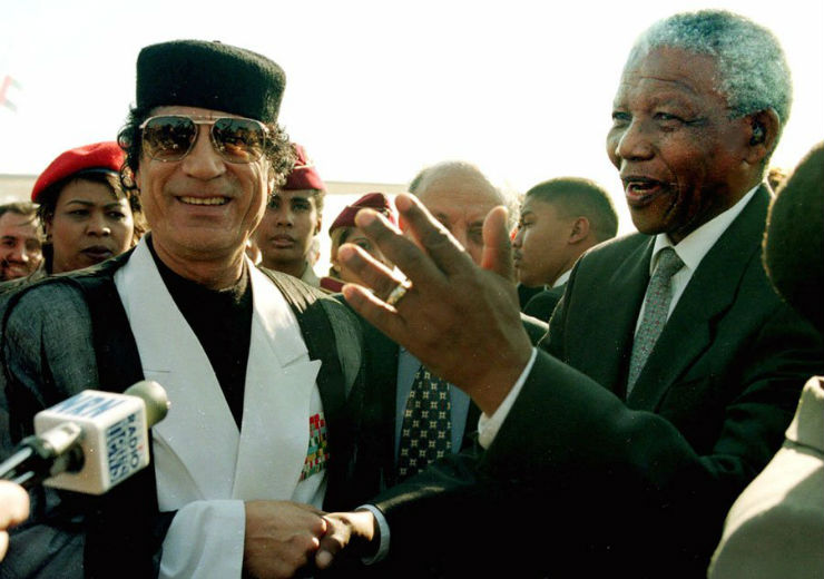 """Mandela e Kadaffi""  Nelson Mandela, o designer da paz (1918 – 2013) mandelaKadaffi"