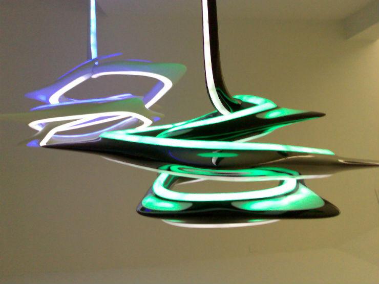 """""""Zaha Hadid e sua luminária futurista.""""  Decoração de Natal: 10 luminárias de design zahahadidlamp"""