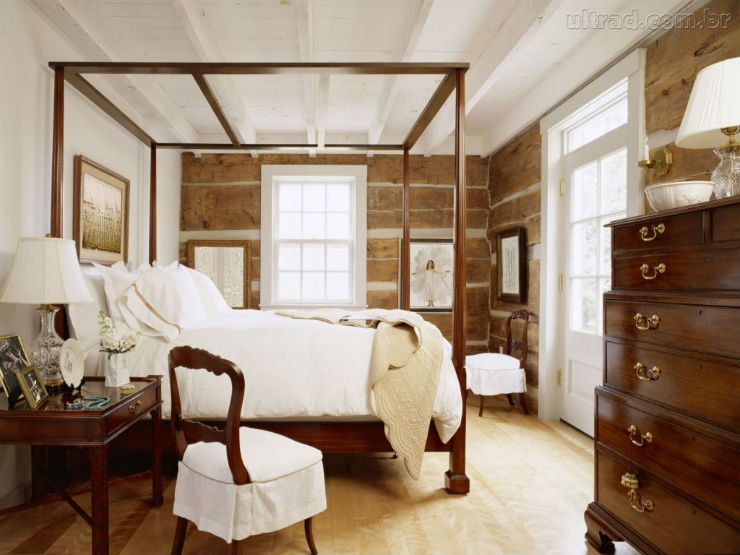 """""""Quarto branco com mobilia em madeira de cor""""  Decoração:10 quartos brancos quartobrancomadeira"""