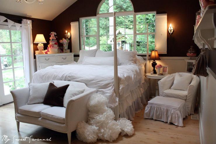 """""""Quarto branco com parede de cor""""  Decoração:10 quartos brancos quartobrancoparececastanha"""