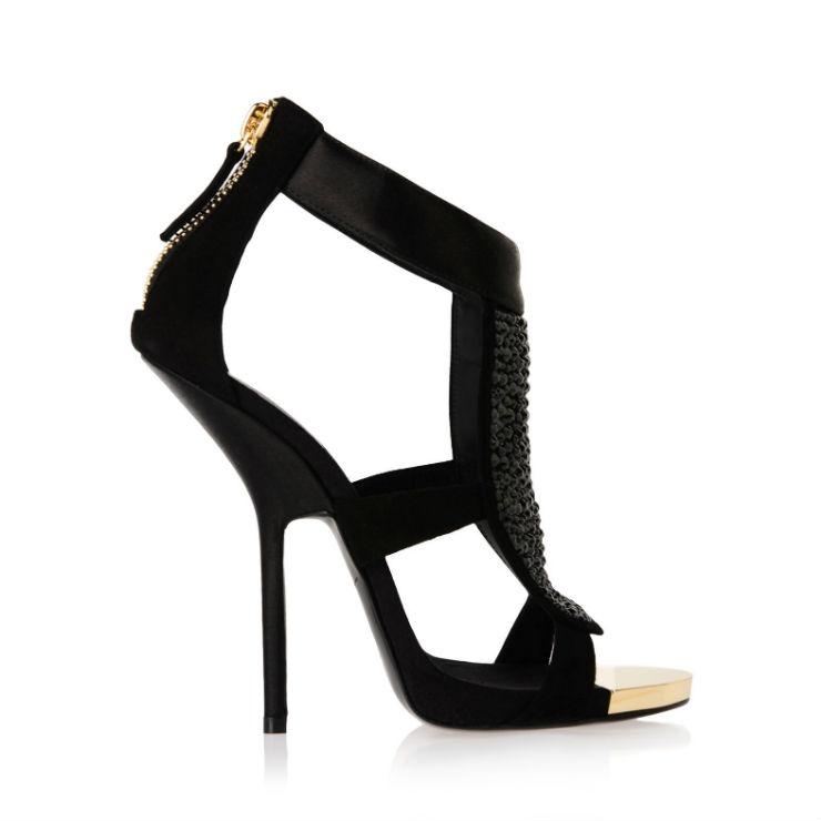 """""""Giuseppe Zanotti e seus sapatos elegantes""""  Top 10 marcas de sapatos de luxo do mundo Giuseppe Zanotti"""