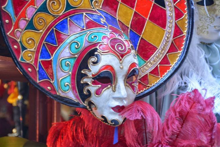 """Mascara do Carnaval de Veneza""  Top salas com decoração inspirada no Carnaval mascara de veneza"