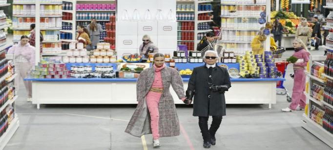 """""""Chanel em desfile """""""