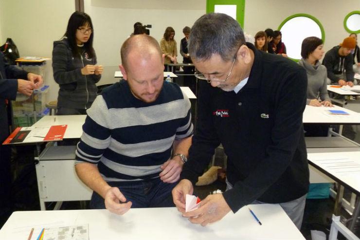 """""""Origami com  Makoto Yamaguchi""""  Makoto Yamaguchi : Criatividade vinda do Oriente origamisum1"""