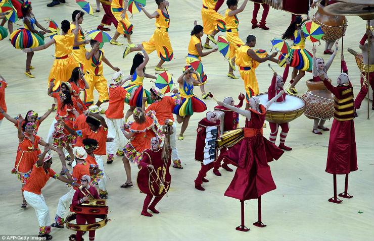 """""""Cerimónia de Abertura da Copa do Mundo 2014""""  Copa do Mundo: os melhores e piores momentos da abertura copa do mundo2014 12"""