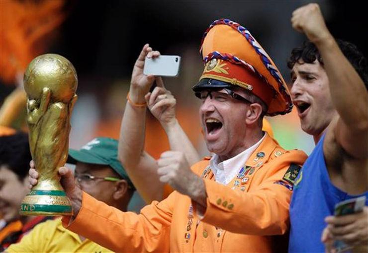 """""""Torcidas na Copa do Mundo 2014""""  As melhores torcidas da Copa do Mundo holanda2"""