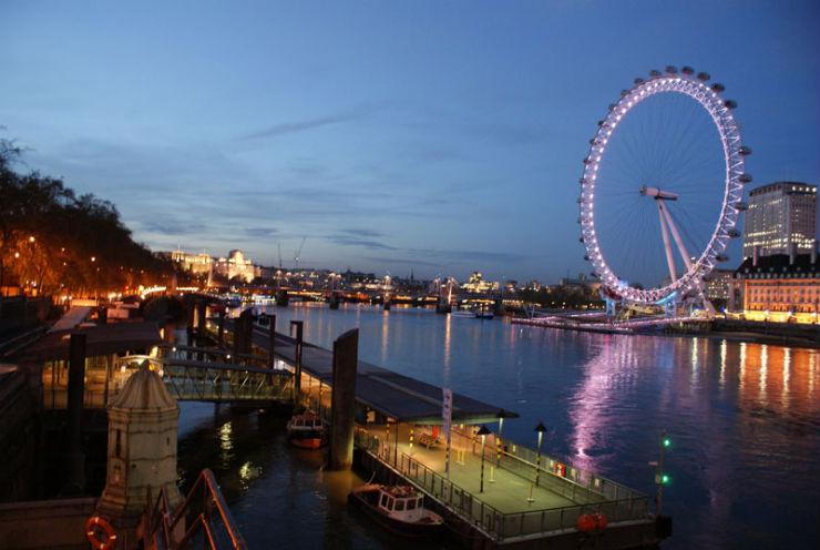 """""""Londres: o que ver em Setembro""""  Londres em Setembro: o que ver london eye at night"""