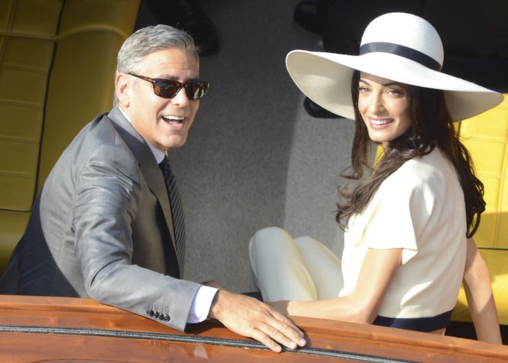 """Casa de George Clooney em Los Angeles""  Casa & Decoração: onde vai viver o Casal Clooney la et mg george clooney wedding civil ceremony amal alamuddin 20140929"