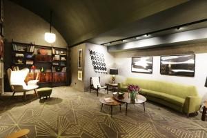 08-cris-komesu-lounge-vintage-decor-pra-casa