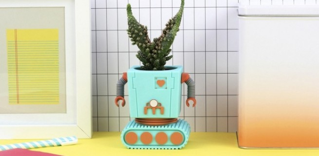 ideias-criativas-vasos-de-planta-divertidos-e-coloridos-em-decorpracasa-formato-de-robo-capa