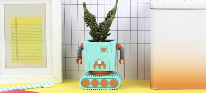 ideias-criativas-vasos-de-planta-divertidos-e-coloridos-em-decorpracasa-formato-de-robo-capa  Ideias criativas: vasos de planta divertidos e coloridos em formato de robô  ideias criativas vasos de planta divertidos e coloridos em decorpracasa formato de robo capa 682x308