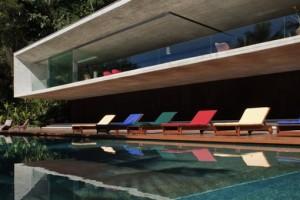 Marcio Kogan cria luxuosa casa de praia dos sonhos (COM FOTOS)
