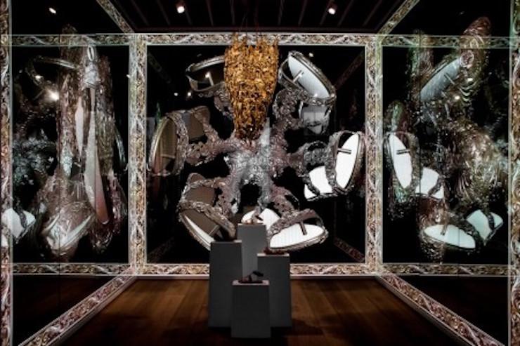 irmaos-campana-harmonia-da-imperfeicao-galeria-melissa-londres-1  Irmãos Campana: a harmonia da imperfeição na Galeria Melissa, em Londres irmaos campana harmonia da imperfeicao galeria melissa londres 1